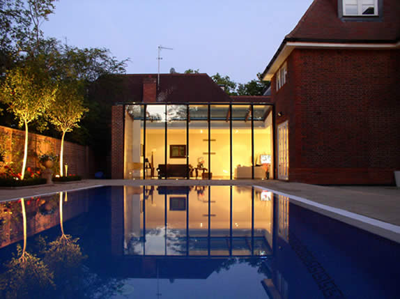 mdern architecture fith pool